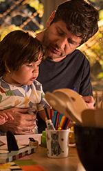 In foto Fabio De Luigi (52 anni) Dall'articolo: 10 giorni senza mamma, il trailer ufficiale del film con Fabio De Luigi [HD].