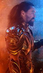 In foto Jason Momoa (40 anni) Dall'articolo: Aquaman resta in testa al Box Office con altri 253mila euro.