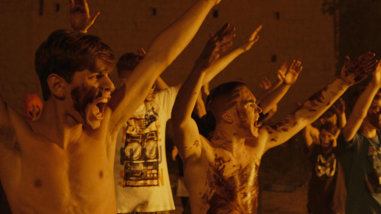 -  Dall'articolo: La paranza dei bambini, il trailer del film [HD].