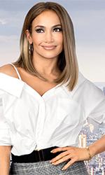 In foto Jennifer Lopez (51 anni) Dall'articolo: Ricomincio da Me, uno script indeciso tra commedia leggera e dramma familiare.