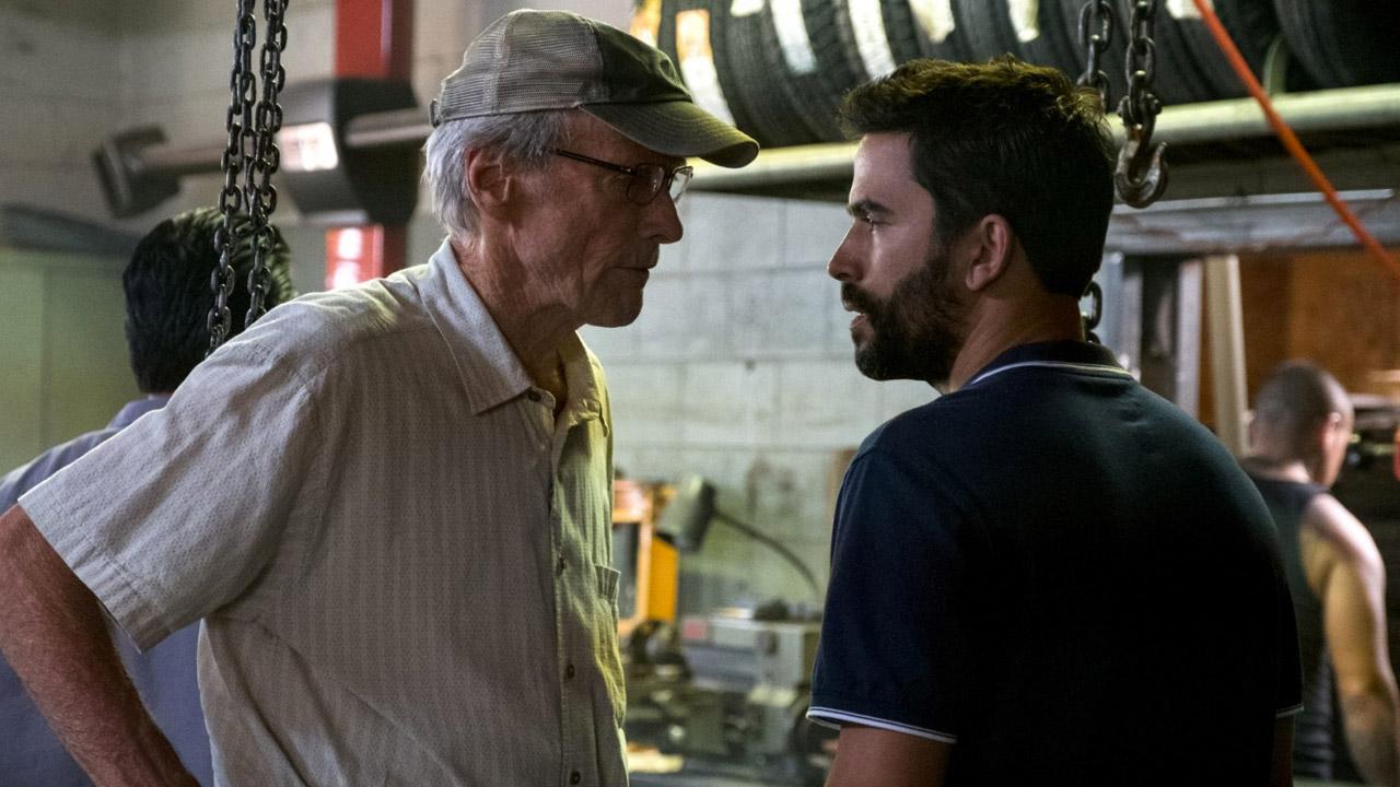 In foto Clint Eastwood (90 anni) Dall'articolo: Clint Eastwood stacca De Luigi e consolida la leadership al box office.