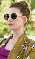 In foto Anne Hathaway (37 anni) Dall'articolo: The Hustle, il trailer originale del film [HD].