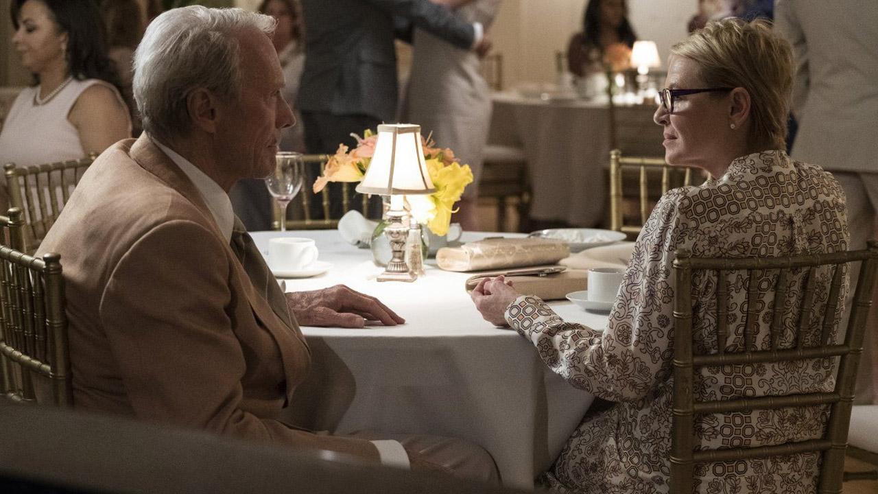 In foto Clint Eastwood (90 anni) Dall'articolo: Il corriere conferma il primato al box office. L'incasso totale è ora di 2,5 milioni.