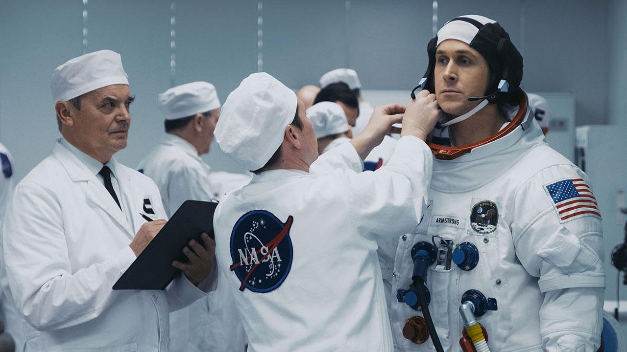 In foto Ryan Gosling (41 anni) Dall'articolo: First Man - Il primo uomo, su IBS il DVD di un melodramma lunare.
