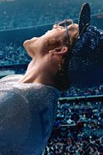 In foto Taron Egerton (30 anni) Dall'articolo: Rocketman, il nuovo trailer italiano del film [HD].