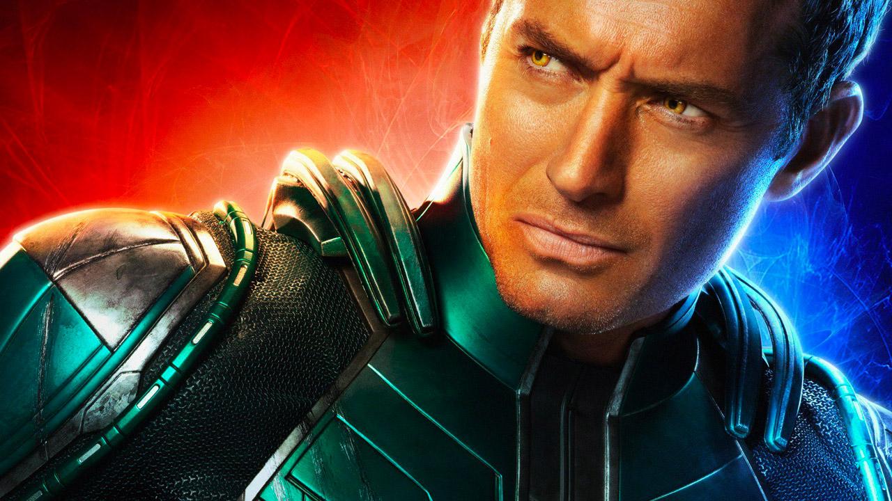 In foto Jude Law (48 anni) Dall'articolo: Captain Marvel rallenta ma mantiene senza fatica la vetta del box office.