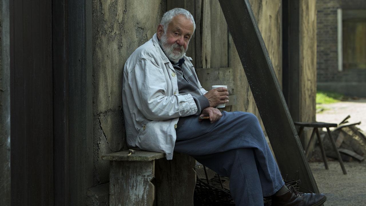 In foto Mike Leigh (78 anni) Dall'articolo: Mike Leigh: 'Le mie antenne dritte in un mondo che cambia'.
