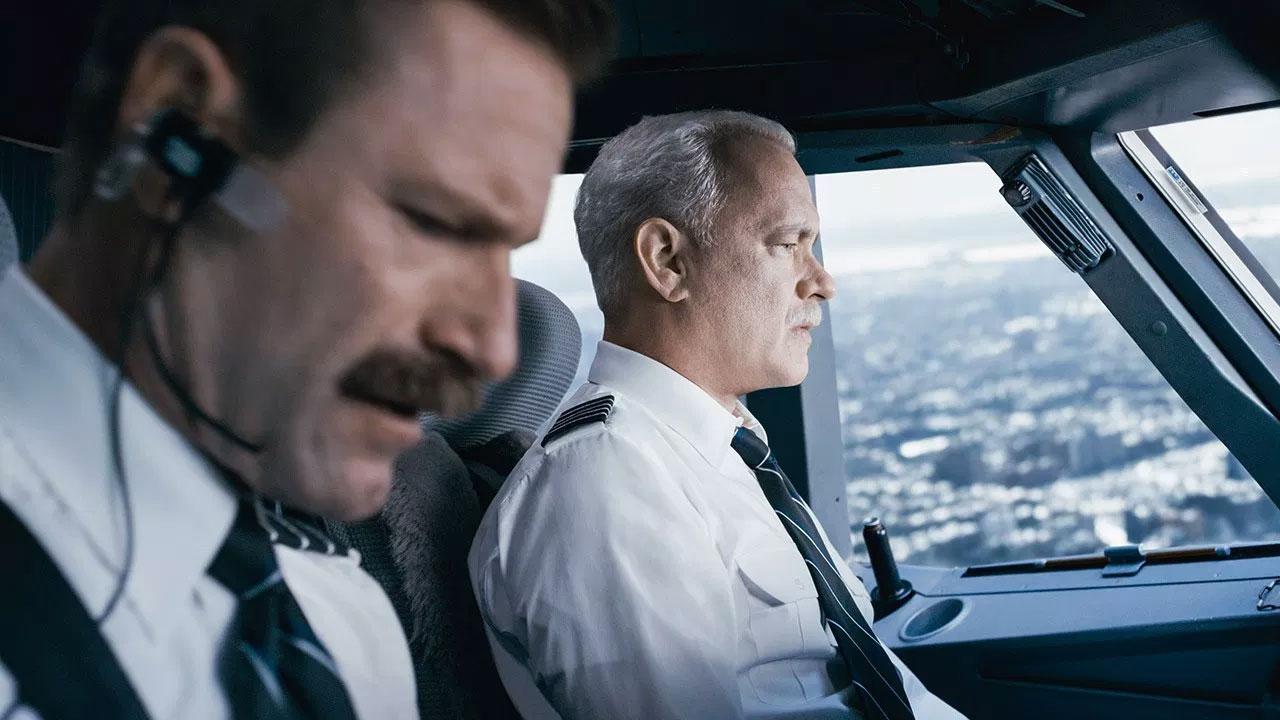 In foto Tom Hanks (64 anni) Dall'articolo: Sully, un eroe schiacciato dal peso della responsabilità.
