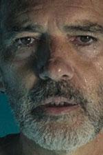 In foto Antonio Banderas (59 anni) Dall'articolo: Dolor y Gloria, il trailer italiano del film [HD].