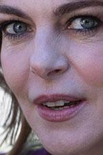 In foto Claudia Gerini (48 anni) Dall'articolo: A mano disarmata, da giovedì 6 giugno al cinema.