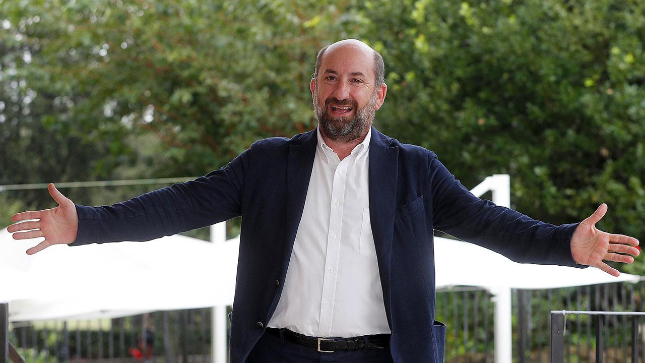 In foto Antonio Albanese (56 anni) Dall'articolo: Cetto c'è, da giovedì 21 novembre al cinema.