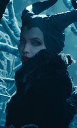 In foto Angelina Jolie (45 anni) Dall'articolo: Maleficent - Signora del Male, il trailer originale del film [HD].