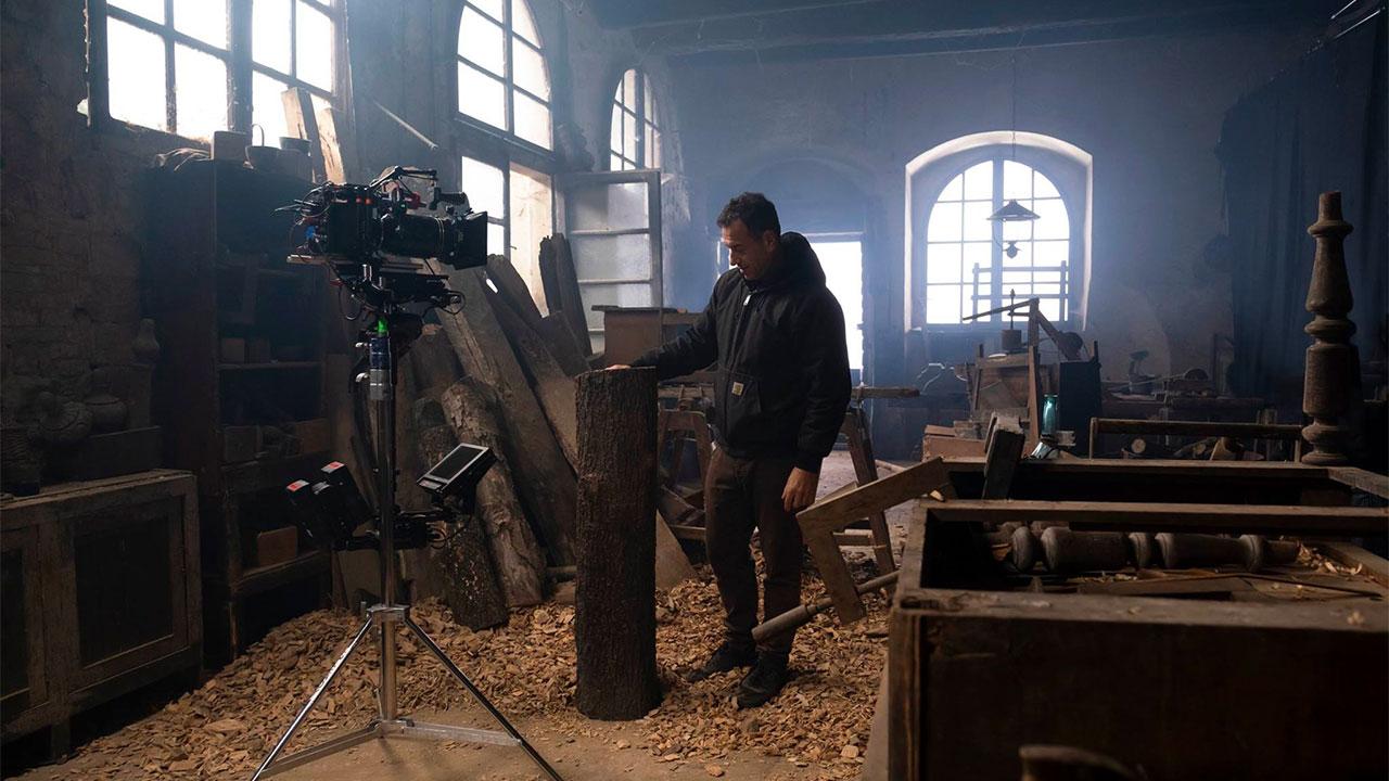 In foto Matteo Garrone (53 anni) Dall'articolo: Pinocchio, da giovedì 19 dicembre al cinema.