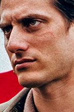 In foto Luca Marinelli (35 anni) Dall'articolo: Martin Eden, da mercoledì 4 settembre al cinema.