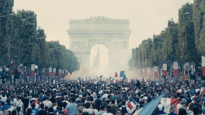 I miserabili, un messaggio chiaro nascosto dietro il fumo dei lacrimogeni