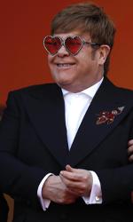 In foto Elton John (72 anni) Dall'articolo: Cannes 2019, Rocketman porta una ventata di glamour sul red carpet.