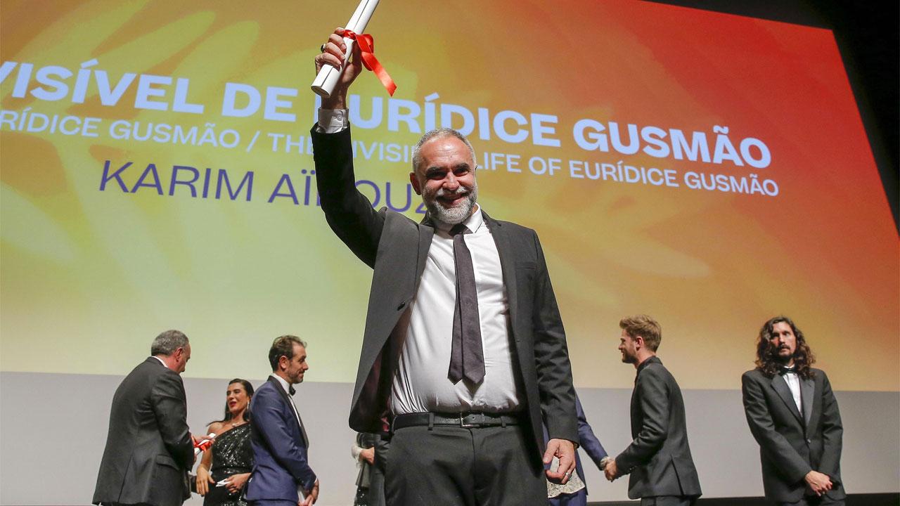 In foto Karim Aïnouz (55 anni) Dall'articolo: Cannes 2019, The Invisible Life of Euridice Gusmao vince Un Certain Regard.