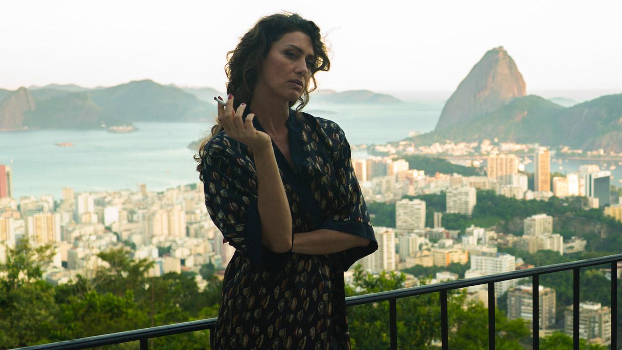 In foto Maria Fernanda Cândido Dall'articolo: Altra ottima giornata per Il traditore al box office: i 4 milioni sono possibili.