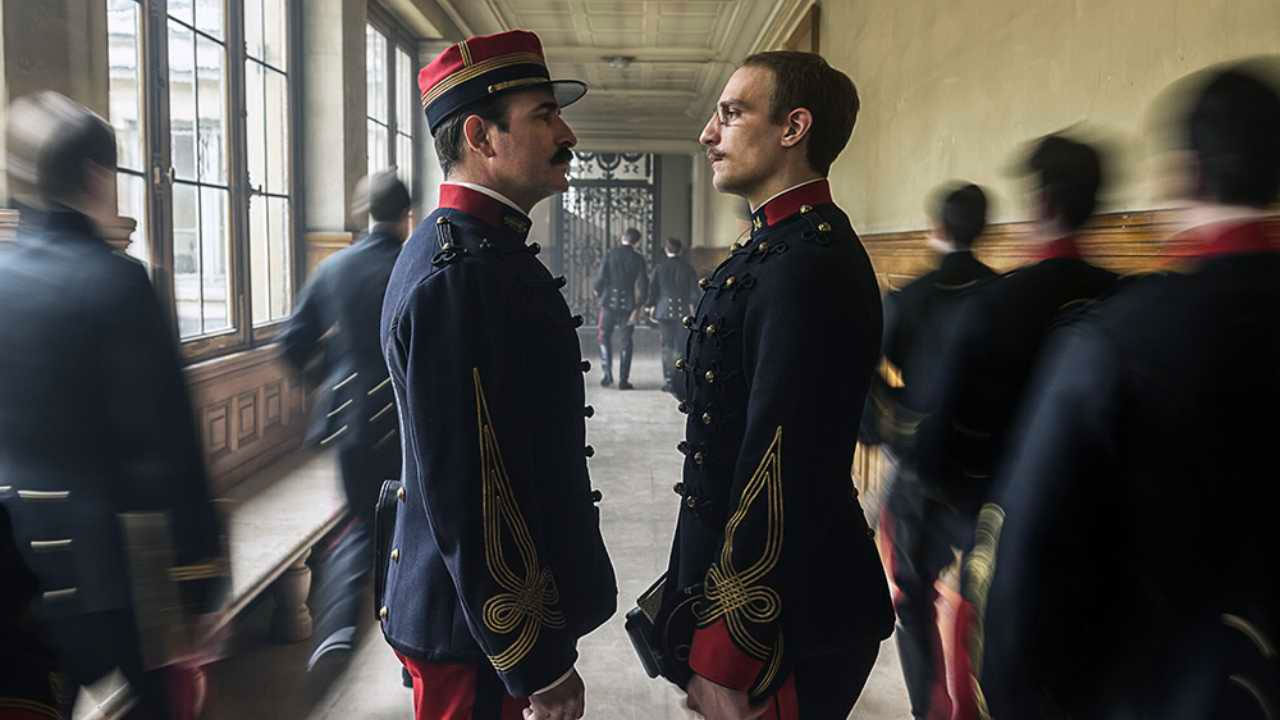 In foto Louis Garrel (38 anni) Dall'articolo: L'Ufficiale e la Spia, da giovedì 21 novembre al cinema.