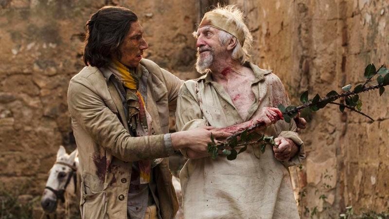 In foto Jonathan Pryce (74 anni) Dall'articolo: L'uomo che uccise Don Chisciotte, un film che vive di eccessi, di colori, di intuizioni.