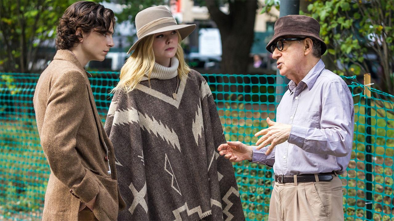 In foto Woody Allen (85 anni) Dall'articolo: Un giorno di pioggia a New York, l'ultimo film di Woody Allen in America?.