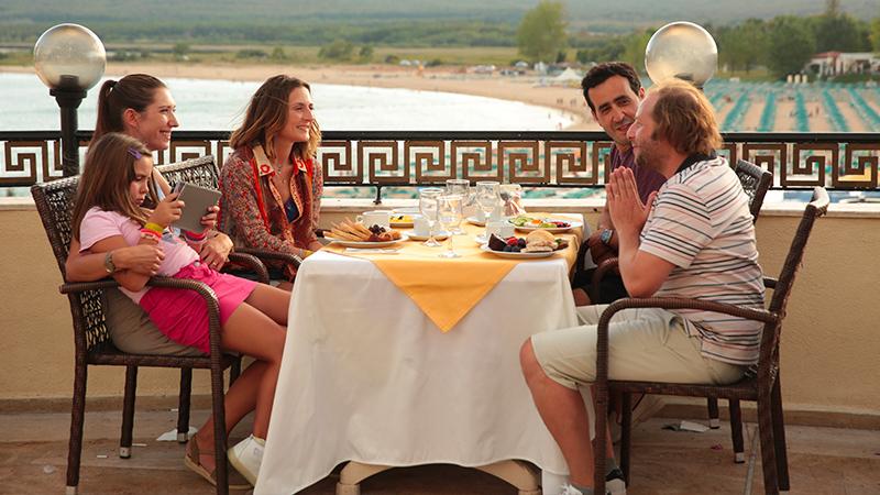 In foto Camille Chamoux Dall'articolo: La prima vacanza non si scorda mai, guarda l'inizio del film [HD].