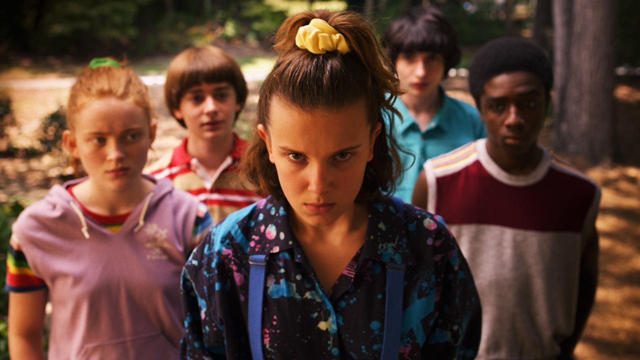 In foto Millie Bobby Brown (15 anni) Dall'articolo: Stranger Things, il trailer finale della stagione 3.