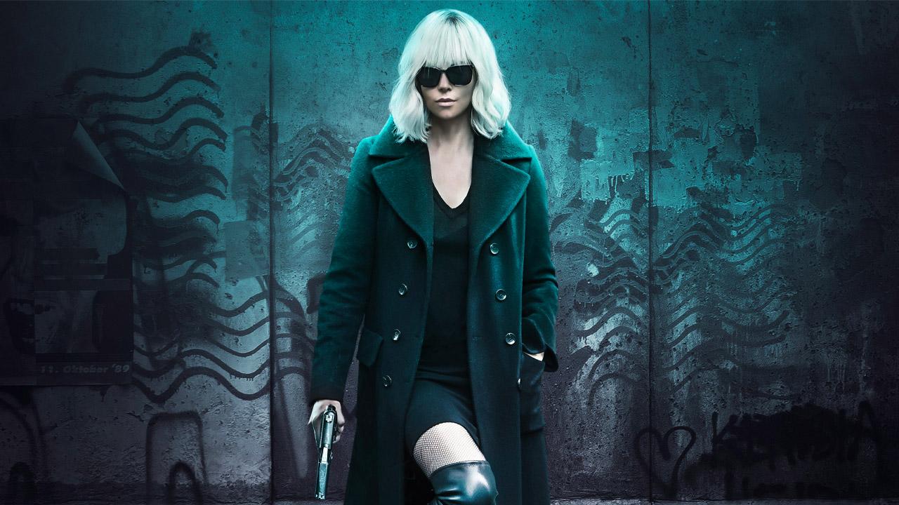 In foto Charlize Theron (46 anni) Dall'articolo: Atomica Bionda, Charlize Theron assassina letale per l'MI6 britannico.