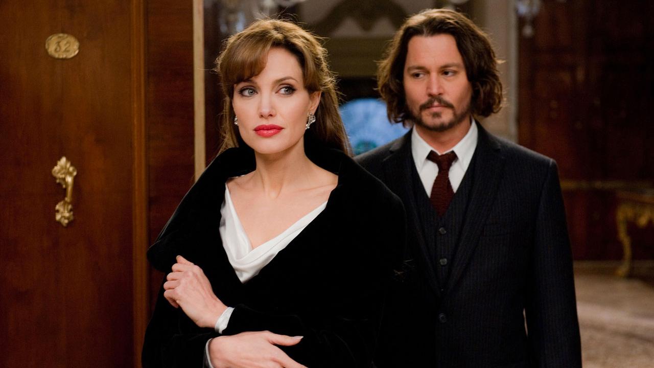 In foto Angelina Jolie (45 anni) Dall'articolo: Stasera in Tv: i film da non perdere di venerdì 12 luglio 2019.