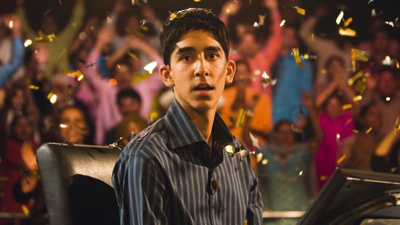 In foto Dev Patel (29 anni) Dall'articolo: The Millionaire, come è lontana l'India del film da Oscar di Danny Boyle.
