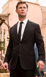In foto Chris Hemsworth (37 anni) Dall'articolo: Il caldo pesa sul Box Office: Men in Black International ancora primo ma non sfonda.