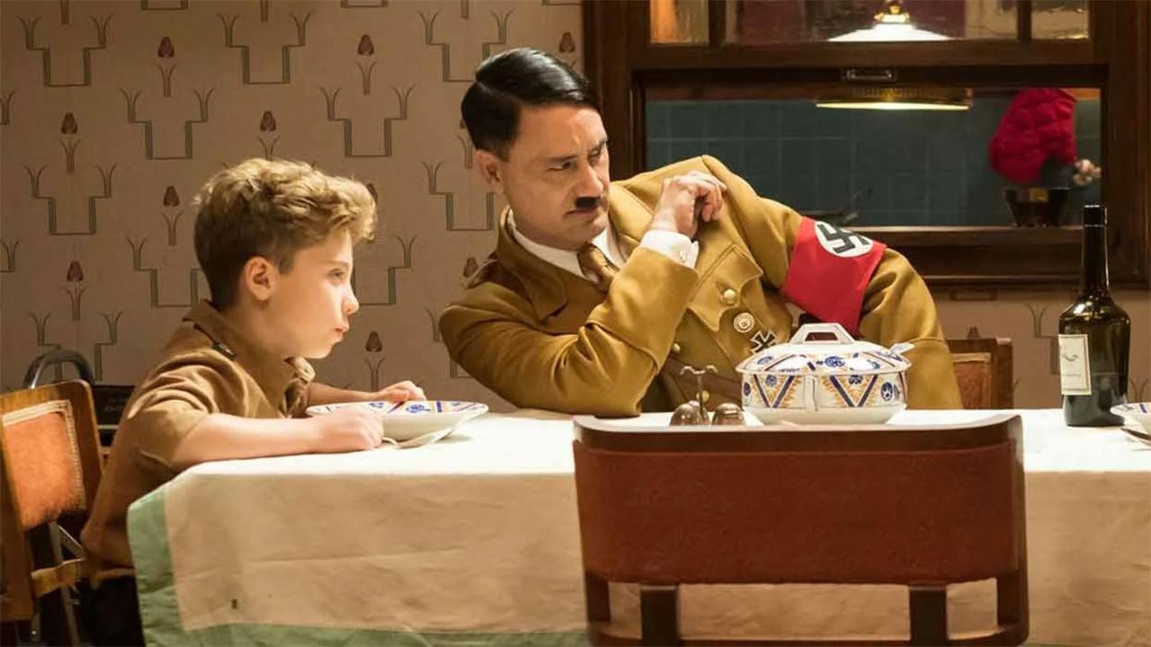 -  Dall'articolo: Jojo Rabbit, quando il tuo amico immaginario è Adolf Hitler.