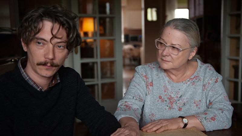 In foto una scena del film Grazie a Dio. -  Dall'articolo: Grazie a Dio, il trailer italiano del film di François Ozon [HD].