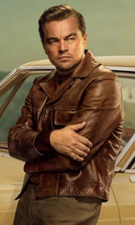 In foto Leonardo DiCaprio (45 anni) Dall'articolo: Tarantino non fa sconti. 120mila spettatori nel giorno d'esordio.