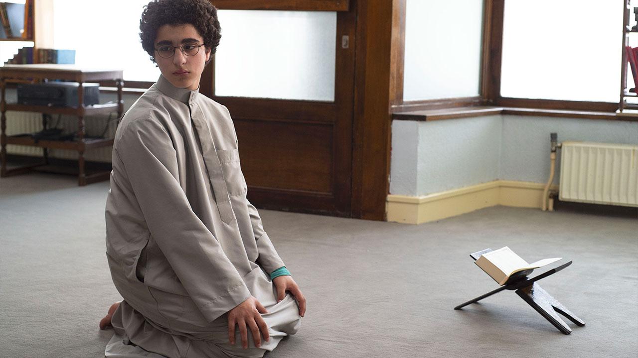 In foto Idir Ben Addi Dall'articolo: L'Età Giovane, il trailer italiano del film [HD].