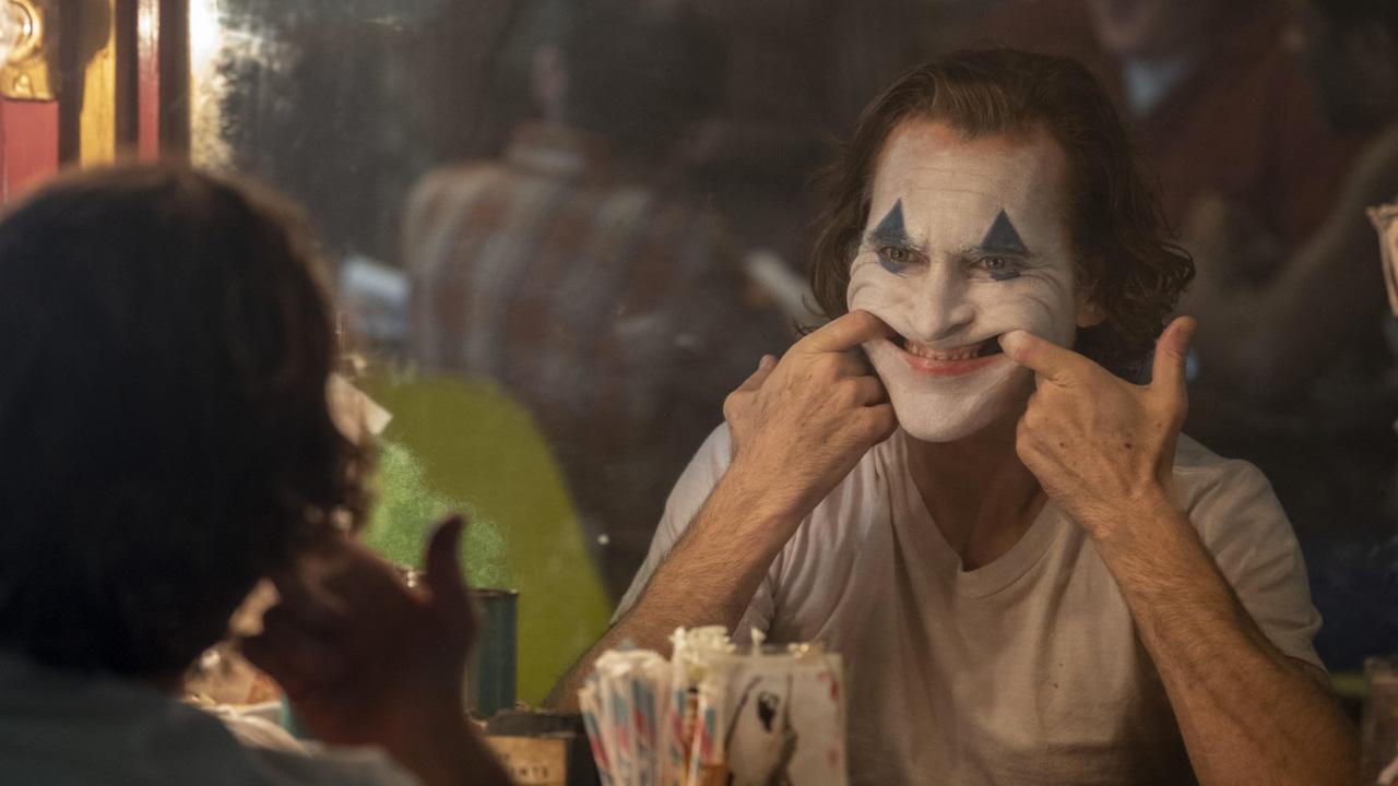 In foto Joaquin Phoenix (45 anni) Dall'articolo: Joker debutta in USA e sbanca!.