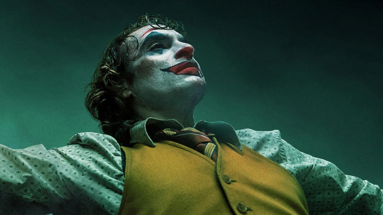 In foto Joaquin Phoenix (46 anni) Dall'articolo: Joker inarrestabile: con altri 1,1 milioni diventa il secondo miglior incasso di stagione.