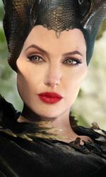 In foto Angelina Jolie (45 anni) Dall'articolo: Maleficent 2 vince il sabato con 1,4 milioni, ma Joker continua a stupire.
