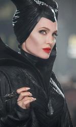 In foto Angelina Jolie (45 anni) Dall'articolo: Maleficent - Signora del male, l'accessibilità della malvagità della Disney.