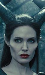 In foto Angelina Jolie (45 anni) Dall'articolo: Maleficent 2 ancora in testa al Box Office, ma Joker rimane in agguato.