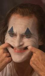 In foto Joaquin Phoenix (46 anni) Dall'articolo: Il fenomeno Joker continua: raggiunti anche i 25,8 milioni totali.