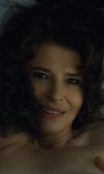 In foto Fanny Ardant (71 anni) Dall'articolo: Tutti pazzi per La belle époque. Da Frankie hi-nrg a Baudo, tanti i volti noti che hanno amato il film.