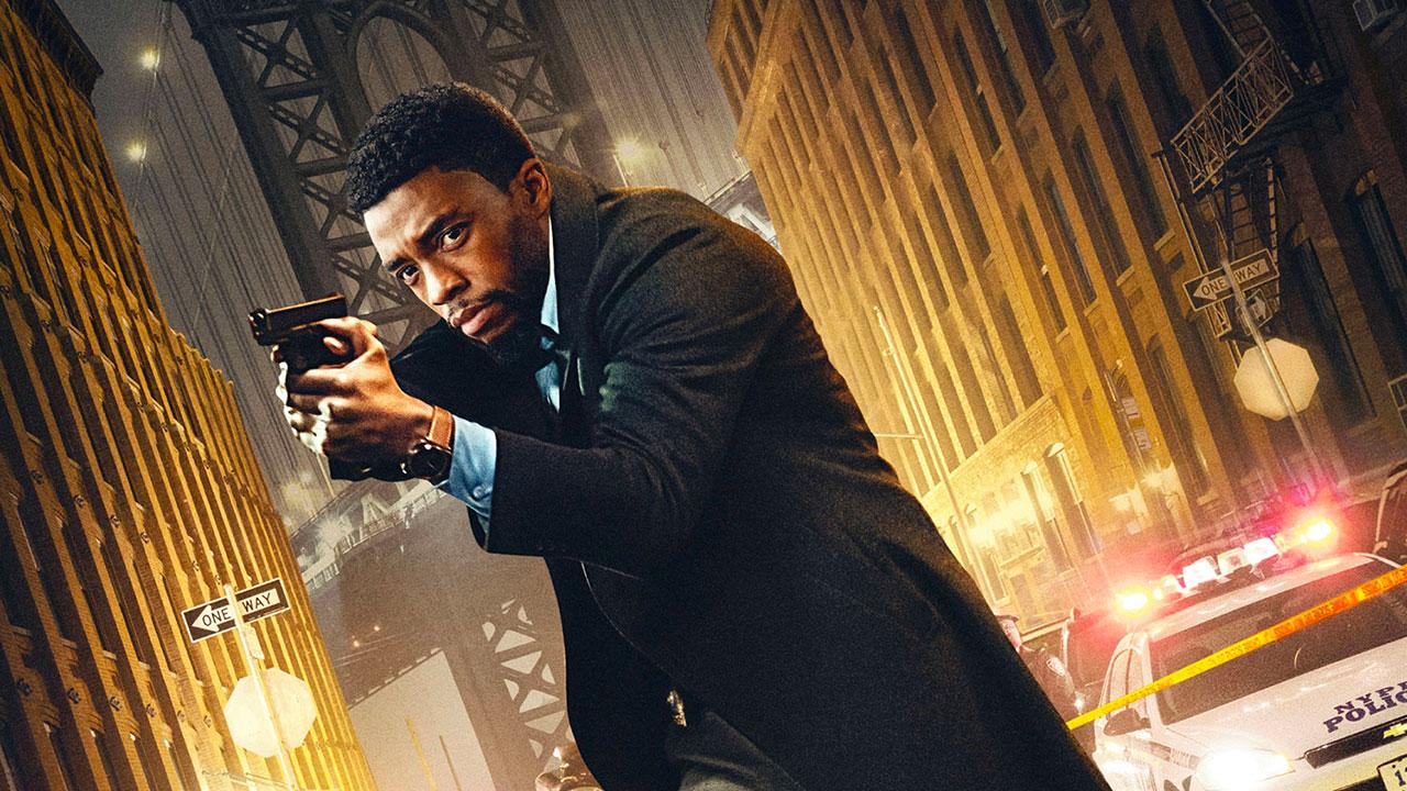 In foto Chadwick Boseman (43 anni) Dall'articolo: City of Crime, il trailer e il poster italiani del film.