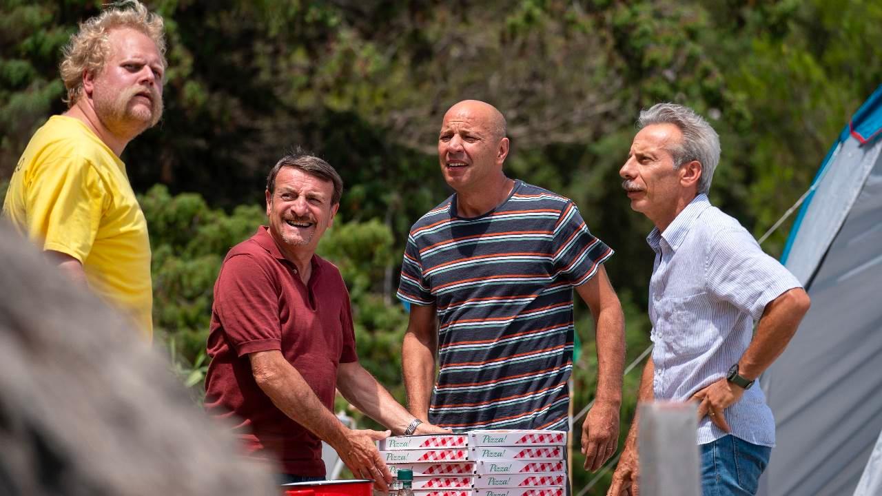 -  Dall'articolo: Odio l'estate, il ritorno in grande stile di Aldo, Giovanni e Giacomo.