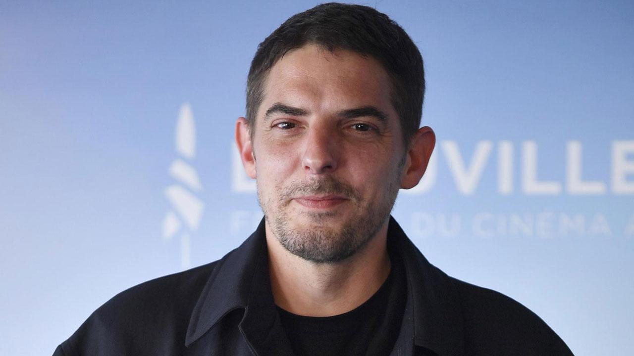 In foto Damien Bonnard (43 anni) Dall'articolo: Damien Bonnard, l'agente Ruiz de I miserabili.