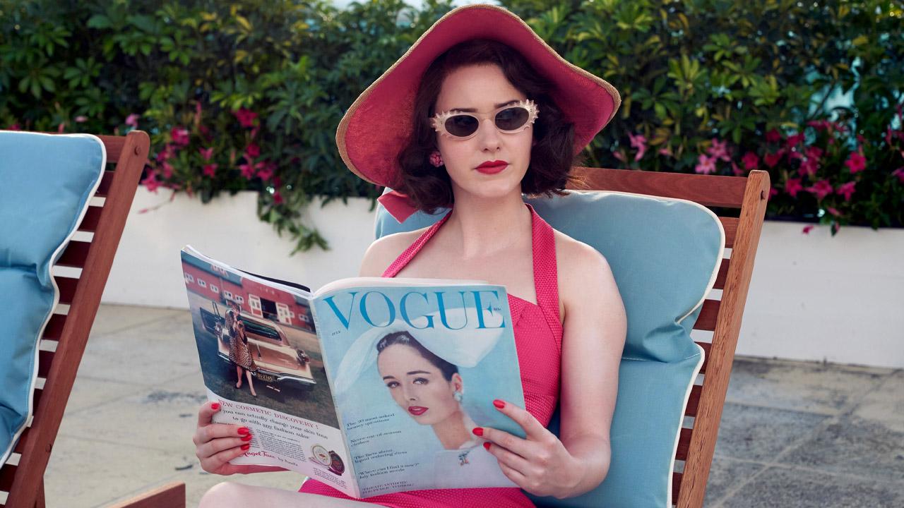 In foto Rachel Brosnahan (30 anni) Dall'articolo: La fantastica signora Maisel, nella stagione 3 Midge punta tutto sul suo talento. Ma a quale costo?.