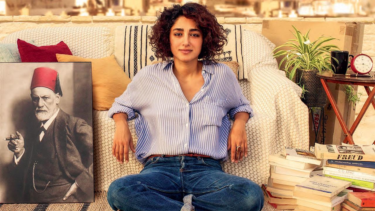 In foto Golshifteh Farahani (38 anni) Dall'articolo: Un divano a Tunisi, il teaser e il poster italiani del film di Manele Labidi.