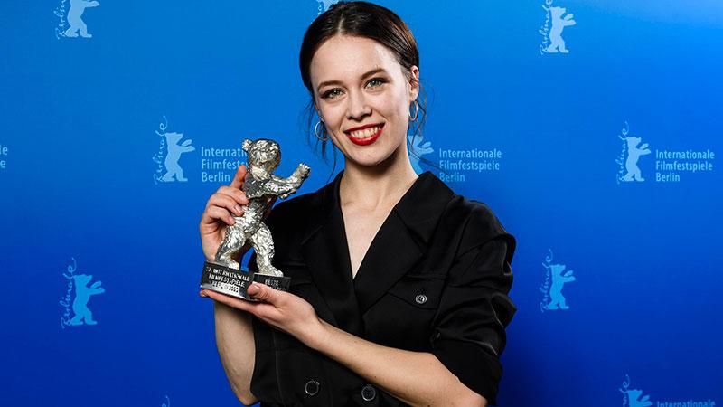 Berlinale 2020, Paula Beer vince il Premio come Miglior Attrice per Undine