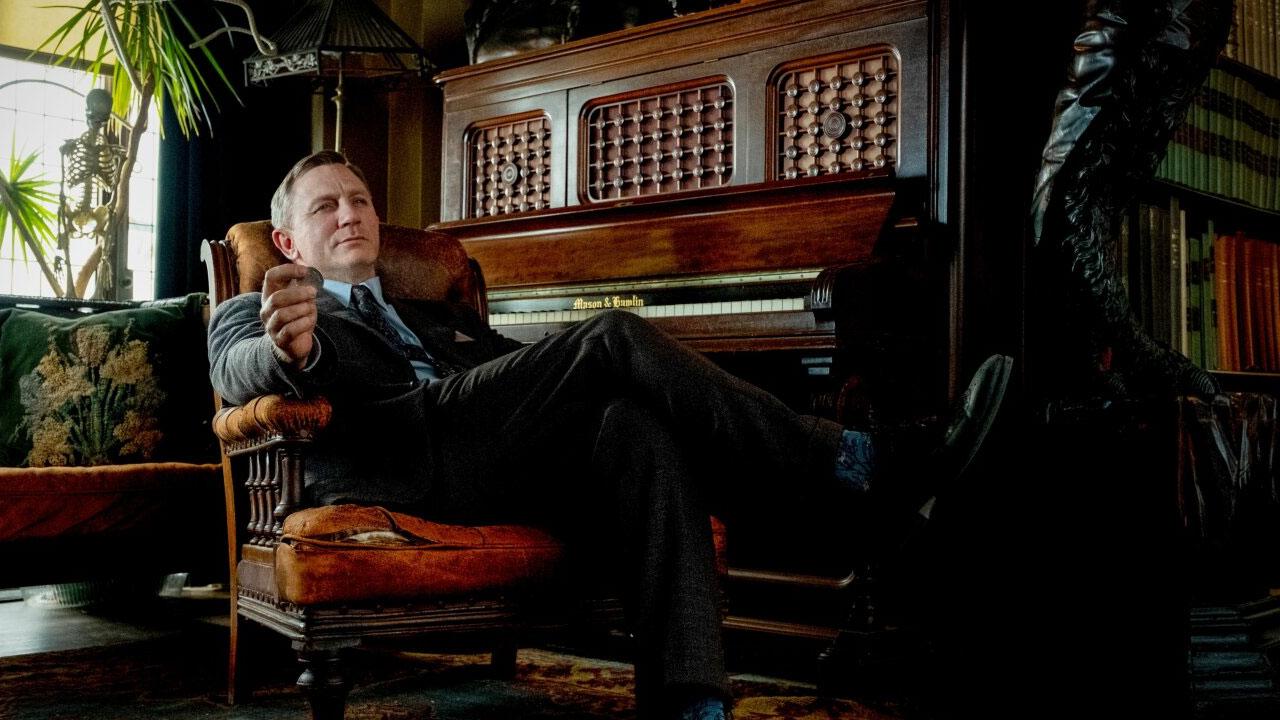 In foto Daniel Craig (52 anni) Dall'articolo: Cena con delitto, su IBS il DVD sul caso di un misterioso omicidio da risolvere.