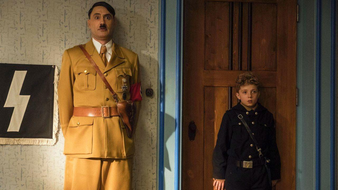 In foto Taika Waititi (46 anni) Dall'articolo: Jojo Rabbit, su IBS il dvd della favola nera che prende per il naso Hitler.